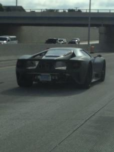 2017-ford-gt-spied-on-the-highway-in-michigan-looks-absurdly-cool-in-traffic_3